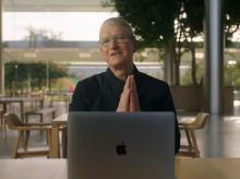 Tim Cook with Apple Silicon M1 SoC powered MacBook