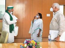 Rakesh Tikait, Mamata Banerjee, Yashwant Sinha
