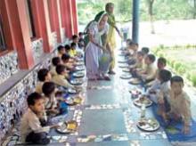 Centre lowers foodgrain price for welfare plans